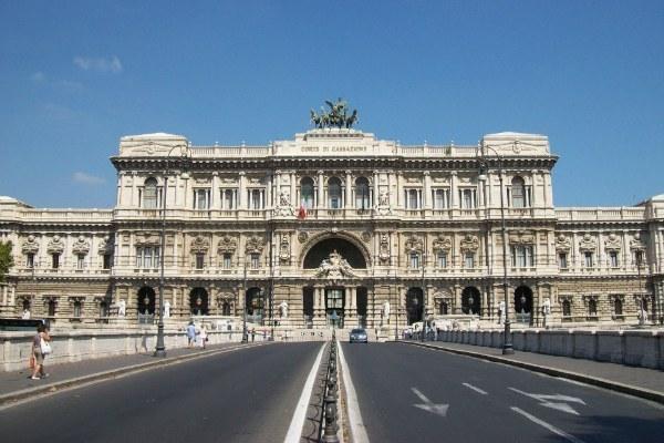 Roma, Palazzo di Giustizia - foto di Sergio D'Afflitto (Wikimedia Commons - CC BY-SA 3.0)