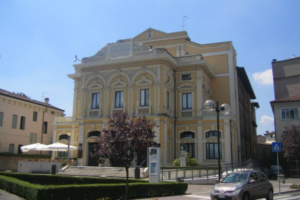 il Teatro Salieri di Legnago - foto di Szeder László via Wikipedia (CC BY-SA 4.0)