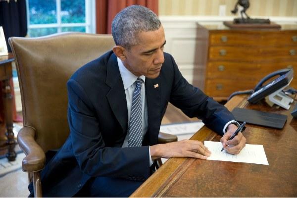 Barack Obama alla Casa Bianca (https://flic.kr/p/FpCN8p - opera del Governo degli Stati Uniti)
