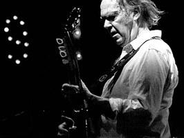 Canzoni, album e memorie: online l'archivio musicale di Neil Young